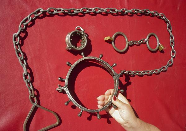 Collar & Chains